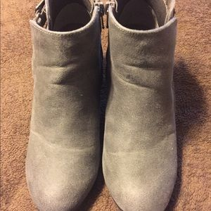 Gray Rampage booties so 7